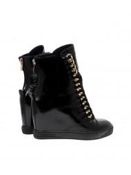 Sneakersy damskie czarne lakierowane złoty łańcuch 066/z